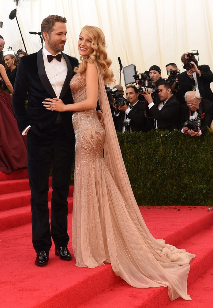 blake-lively-ryan-reynolds-met-gala-red-carpet